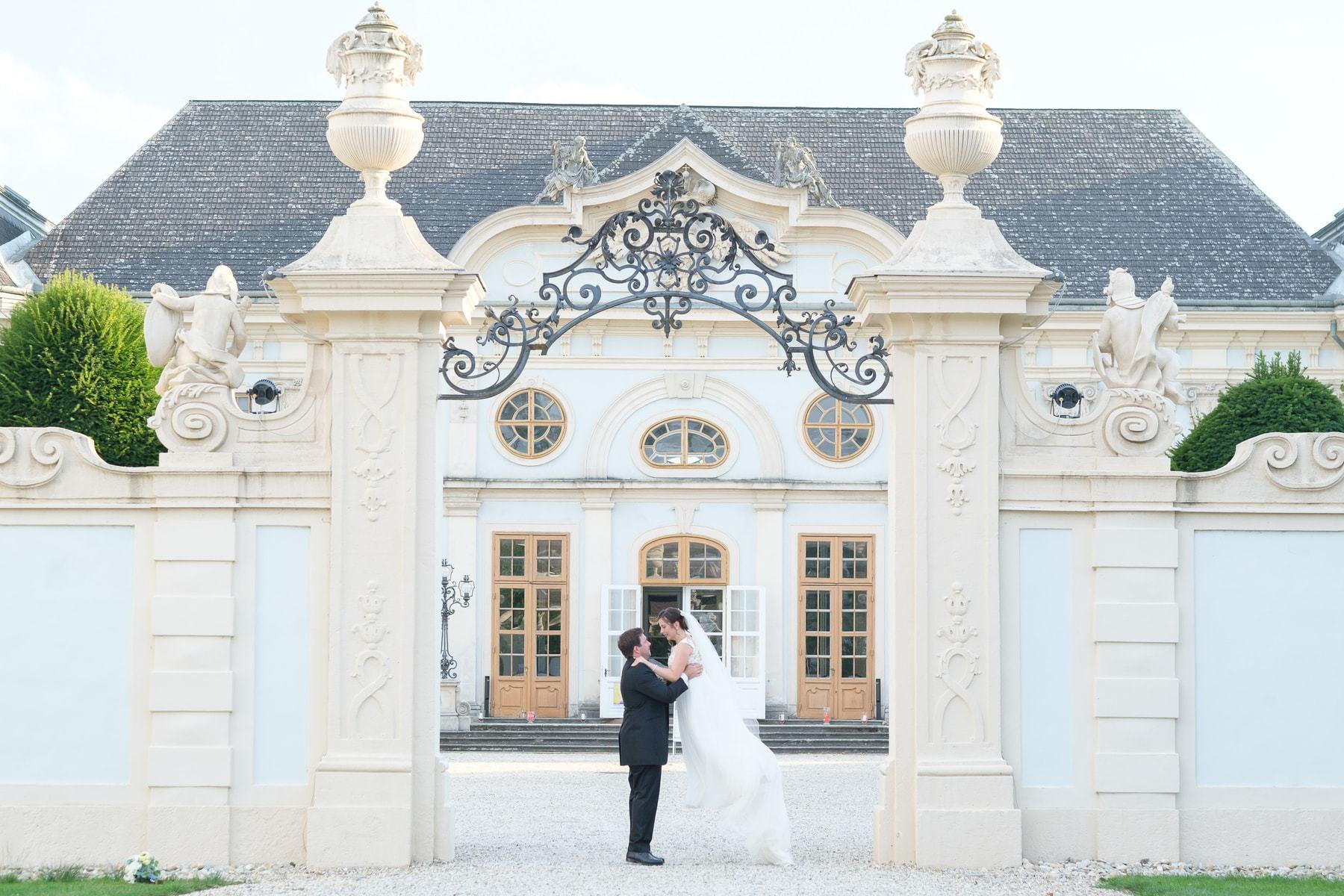 Brautpaar Fotoshooting im Schloss