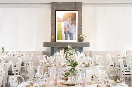 Bild Verlobungsshooting bei der Hochzeitstafel und Location